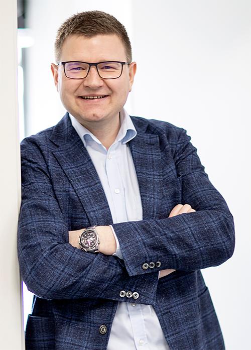 """""""På mange måder er forretningsideen helt simpel – IT-løsninger der er stabile, sikre og fleksible kombineret med en service og kommunikation på letforståeligt dansk."""""""